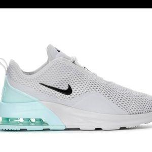 Nike Air Max Motion II
